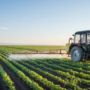 opryskiwanie pola