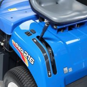 iseki-sxg216-compact-commercial-ride-on-lawnmowers-on-board-shute-cleaning-tool