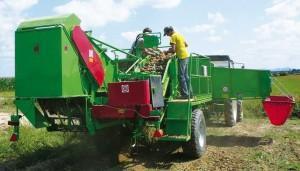 Kombajn BOLKO przeznaczony do zbioru ziemniaków i warzyw